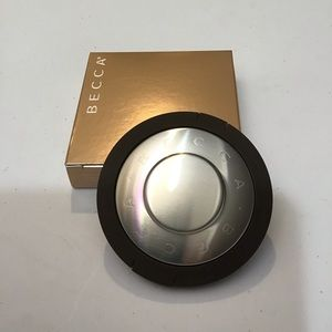 NWT BECCA Shimmering Skin Perfector Highlighter